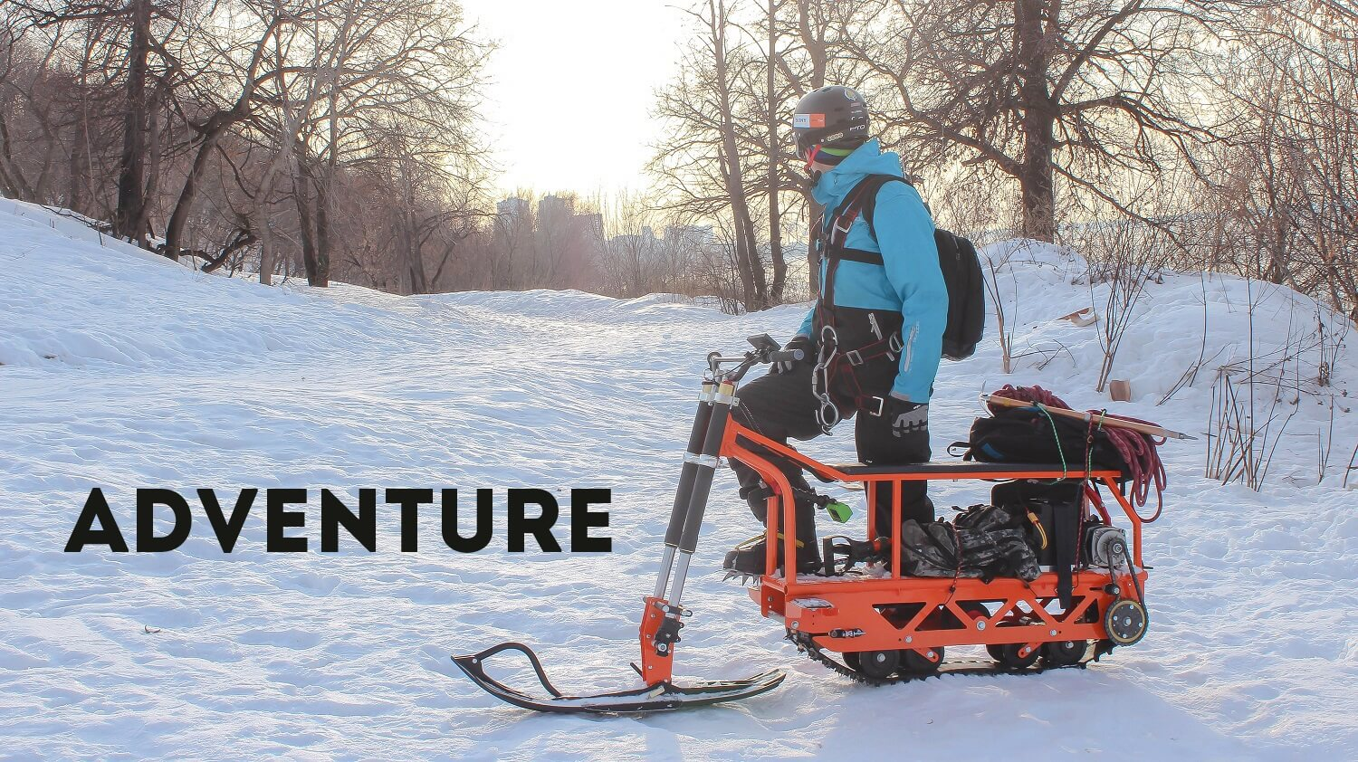 Climbing-the-mountains-with-a-snowmobile_4